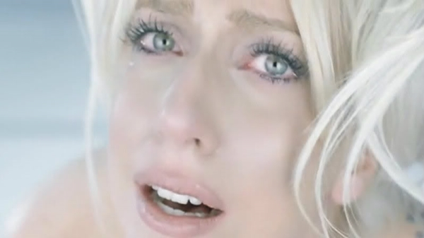 lady-gaga-bad-romance-cry