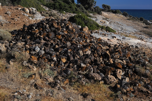 20100927_Iron_ore_mounds_Marmaritsa_Maronia_Rhodope_Thrace_Greece