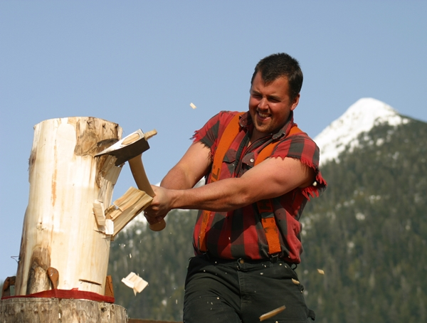 lumberjack-feud-athlete-chops-wood-original1