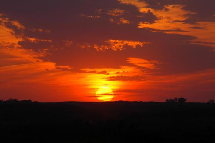 60550352.sunset_may17_2006