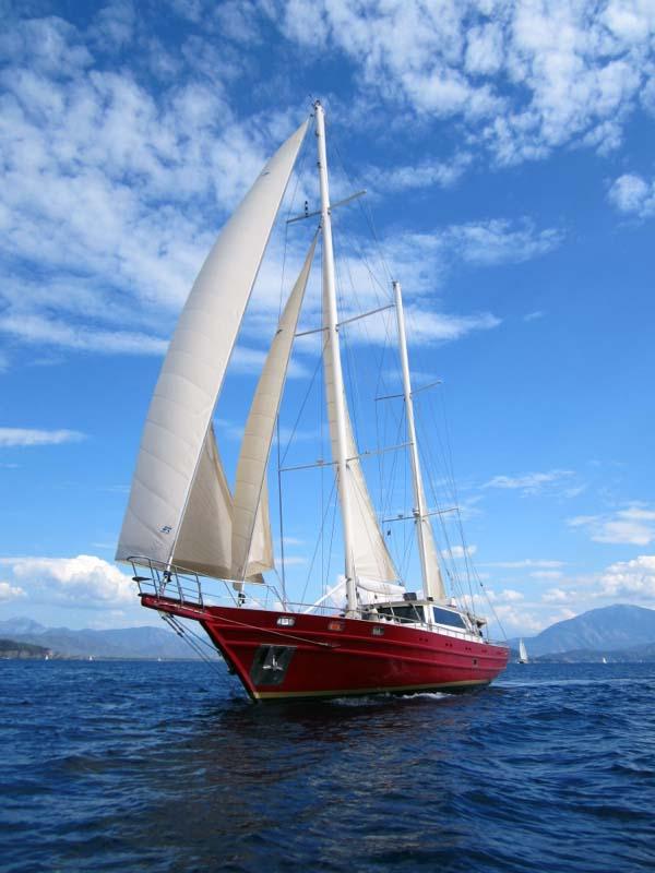 charters_aboard_super_yacht_HANDEM_1