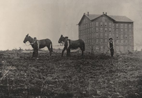 Farmer's_High_School_and_Old_Main